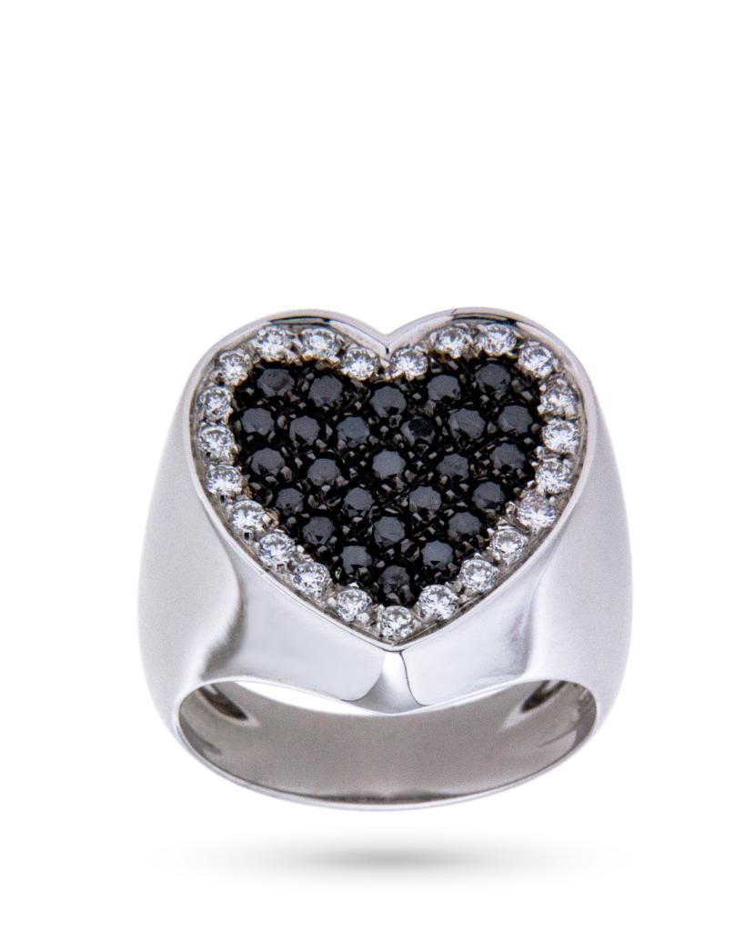 Anello chevalier in oro bianco con cuore di diamanti bianchi e neri - ORO TREND