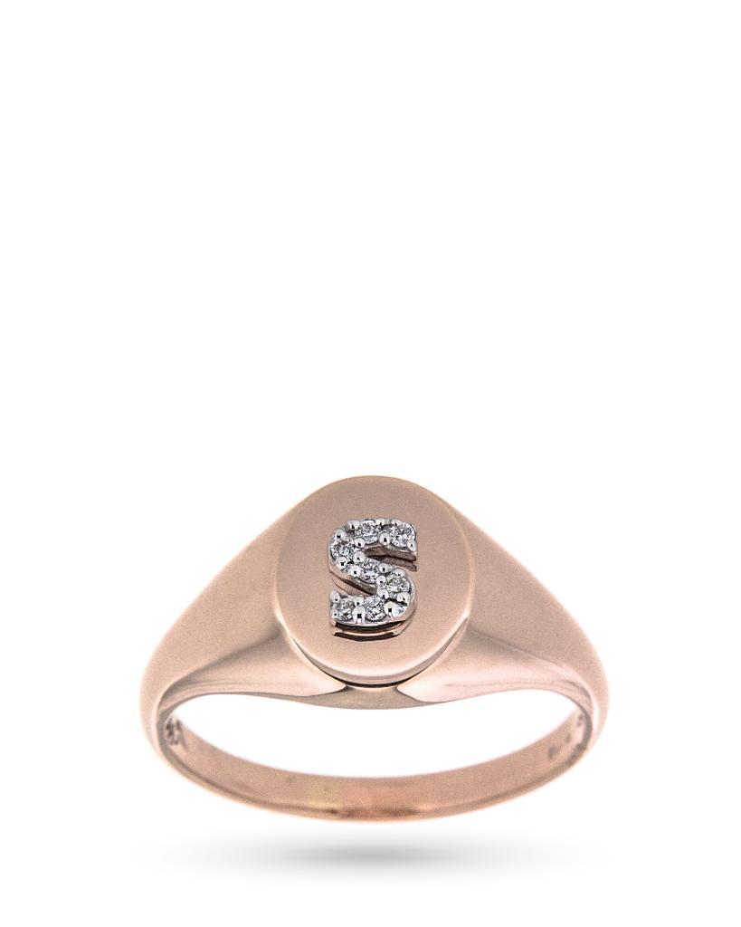 Anello chevalier in oro rosa con lettera S in diamanti - CICALA