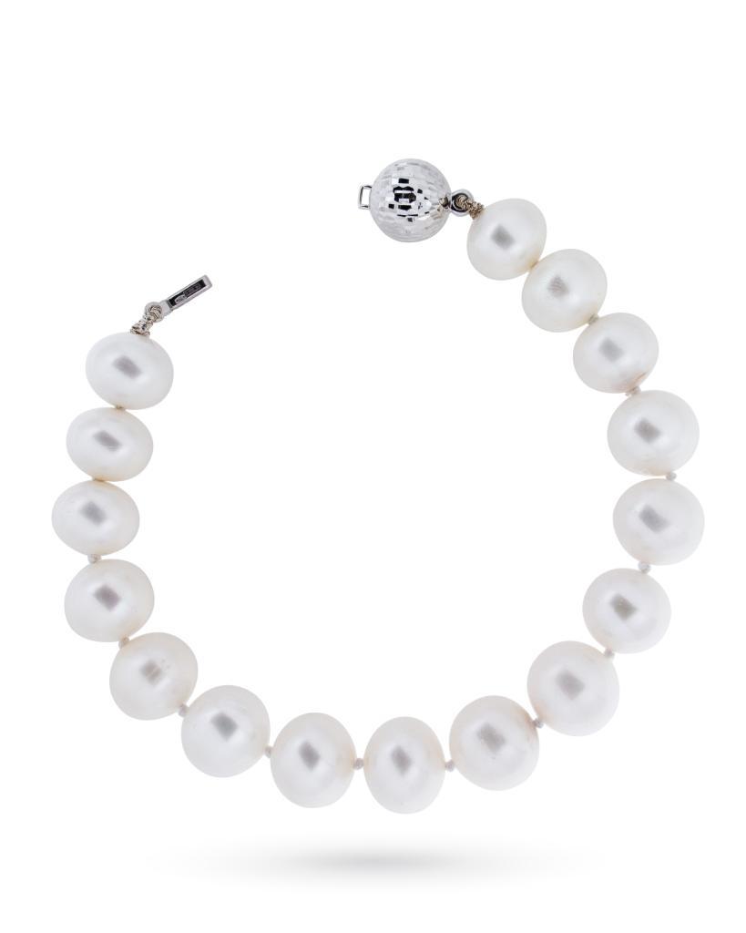Bracciale di perle fresh water con chiusura in oro bianco - CICALA