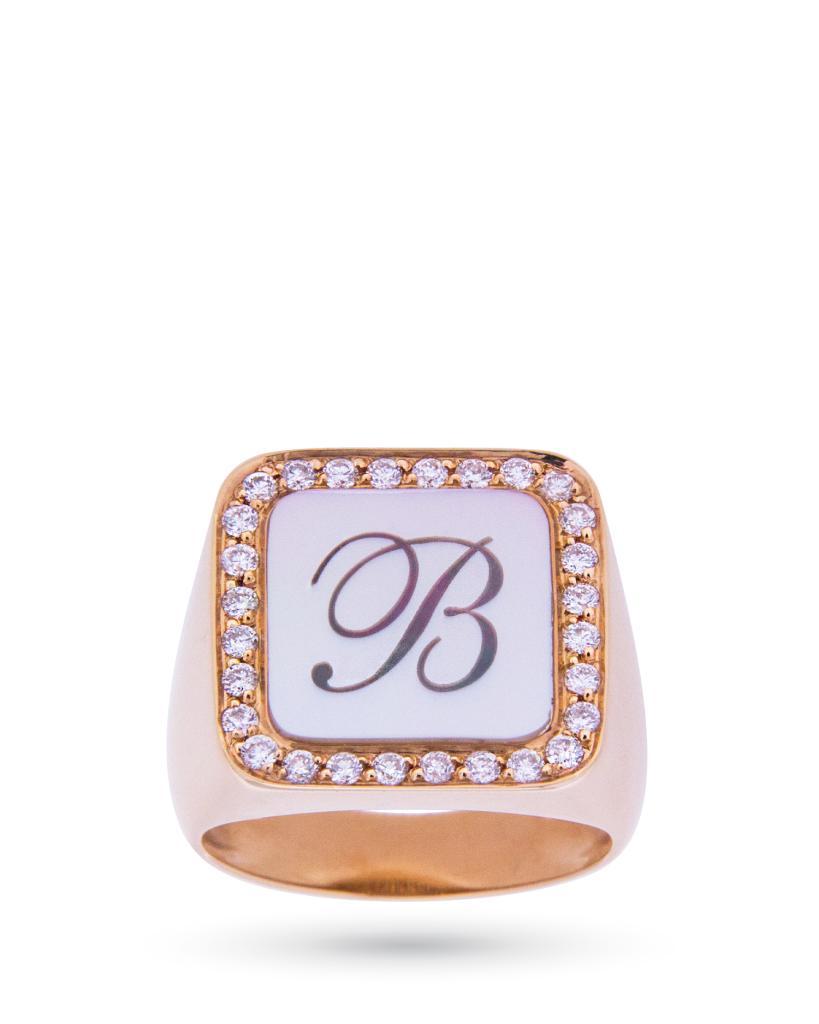 Anello chevalier in oro rosa con lettera B su madreperla e diamanti - ORO TREND