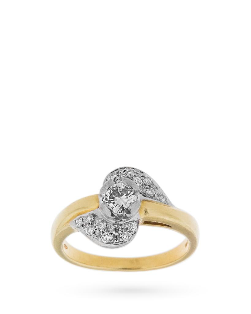 Anello in oro giallo e bianco con diamante centrale e 16 diamanti laterali - UNBRANDED
