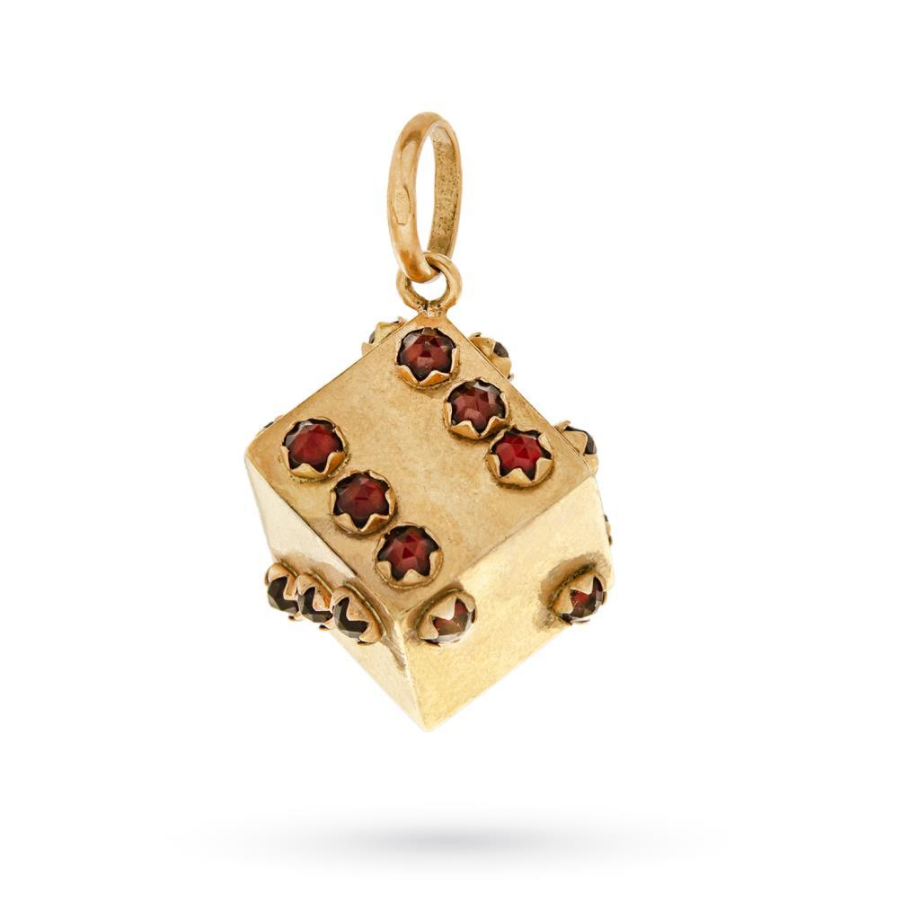 Ciondolo vintage dado oro giallo gemme rosse -