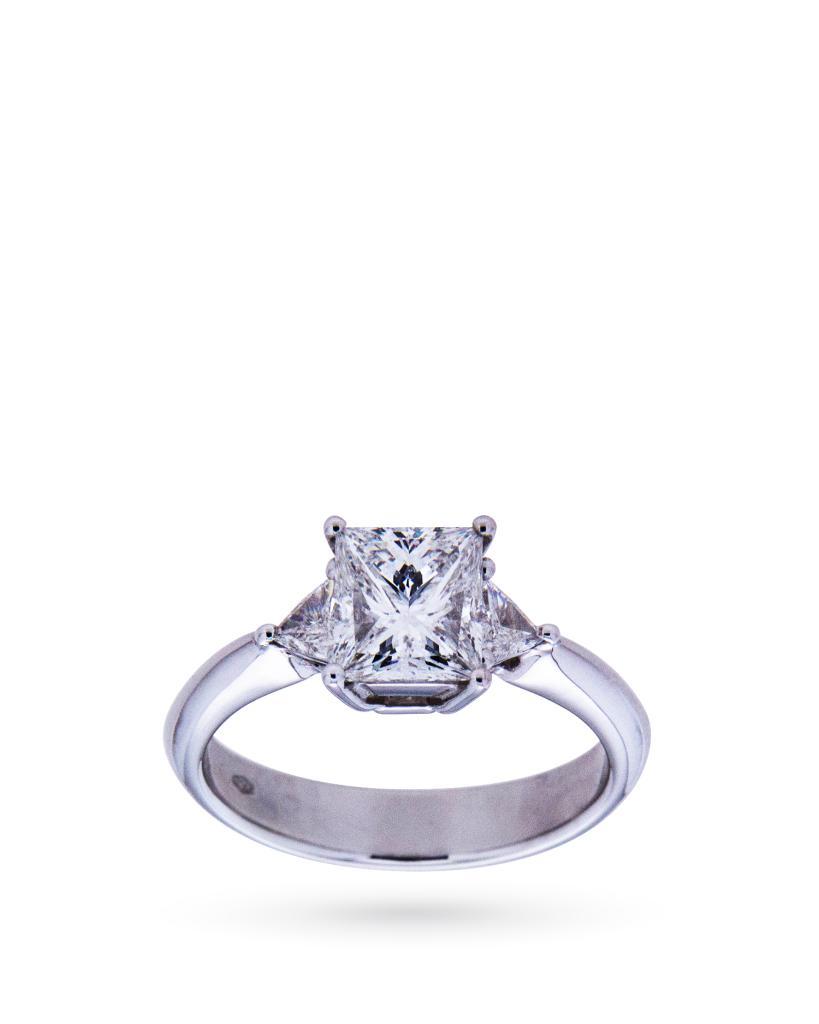 Anello solitario in oro bianco con diamante princess 1,52ct G VVS2 - CICALA